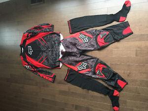 Vêtements motocross Fox : pantalon bas chandail / jersey