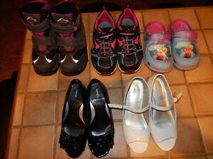 5 paires de chaussures Gr.13 fillette
