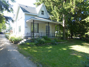 CHARMING HOME IN MEAFORD!