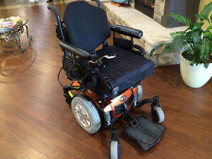 REDUCED - QUANTUM 600 REHAB MOTORIZED POWER CHAIR / SCOOTER