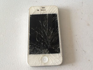 IPHONE 4 S 16 GB Front glass cracked. Phone works fine