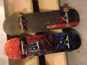 2 complete beginner boards, 4 brand new wheels