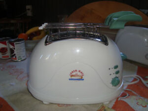 Lunch mate toaster