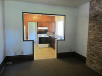 STRATHROY ONE BEDROOM APARTMENT IN DUPLEX FOR SINGLE PERSON