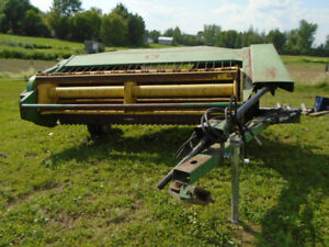 Faucheuse conditionneuse John Deere 1209