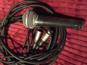 SHURE SM58 Microphone + XLR 25' Mic cable