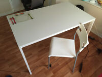 Dining table/chairs set