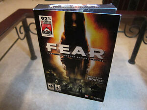 F.E.A.R. First Encounter Assault Recon PC CD