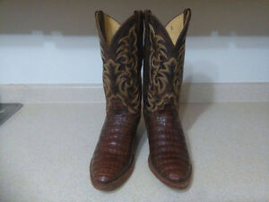 Men's Justin Caiman Western boots for sale.