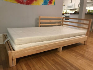 IKEA Tarva Daybed frame + two matresses - almost new!