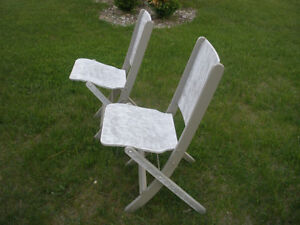3-pc Wooden Table and Retro Chair Set London Ontario image 9