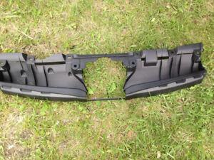 Bracket grille for 2014 Subaru forester. FCFS
