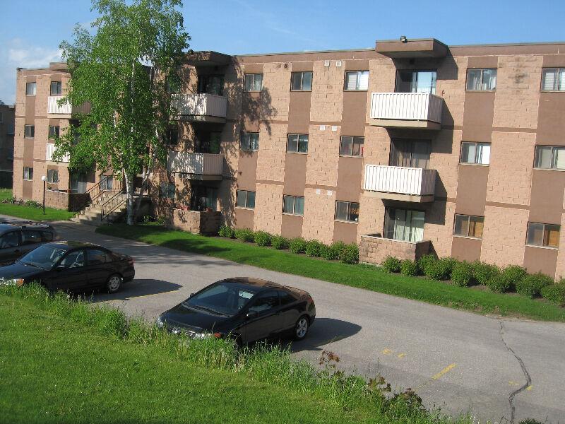 Inclusive Orangeville Apt 2 Bdrm With Balcony Ample Storage 2 Bedroom Mississauga Peel