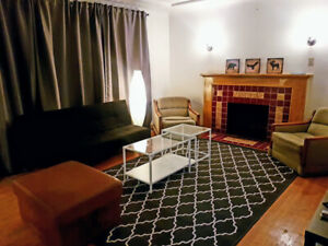 $780 Room, furnished, available anytime near Victoria Dr