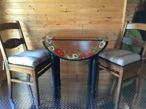 Small Oak Table& Two Chairs