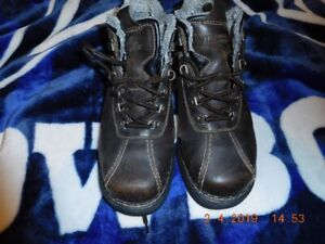 Mens Size 11 Winter Boots (semi used but good condition)