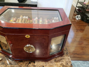 HUMIDOR FOR CIGARS