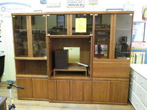 Large 3 Piece Oak Wall Unit For Sale At Nearly New Port Hope