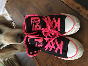 Youths 5 or ladies size 7