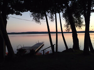 AMAZING 5* WATERFRONT COTTAGE NEAR GTA AND SKIING FALL/ WINTER