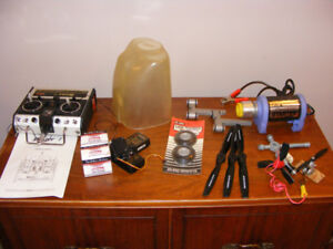 ESTATE LOT OF MODEL AIRPLANE ITEMS