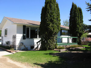 43 Empress Ave W, Qu'Appelle;Country Charm with Dream Garage!