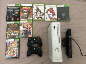 Xbox 360 + 2 Controllers + KINECT + Game Bundle