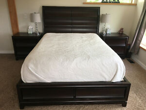 6 piece queen bedroom set $1000