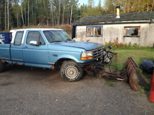 1996 Ford F-150 XLT Pickup Truck 4X4 c/w Western 3 way plow