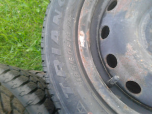 Great pair of all season tires 185/60/14