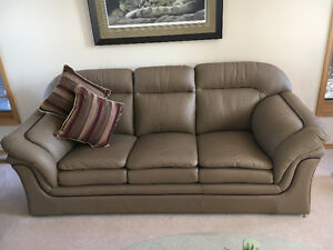 Living Room Set (Leather) Chesterfield, Loveseat & Chair.