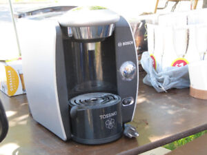 TASSIMO - MACHINE À CAFÉ - COFFEE MACHINE