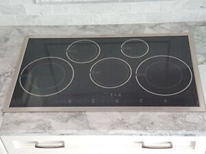 """Induction cooktop stove, 36"""", 5 burners"""