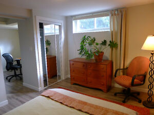 Yonge/Finch - Two Big, Bright, Furnished Rooms London Ontario image 1