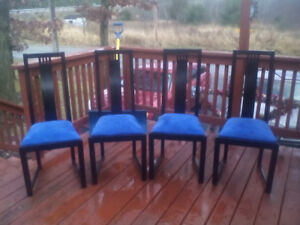 set of 4 wooden kitchen chairs
