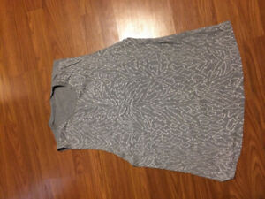 Lululemon womens muscle tank sz12