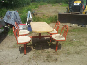 4  SEAT  OUTDOOR  TABLES