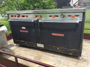 SIX BURNER DOUBLE OVEN WITH 2x2 griddle