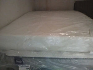 Brand New Queen Size TEMPURPEDIC Mattresses Free delivery