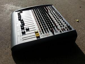 Soundcraft Spirit ES Professional Recording and Broadcast Mixer