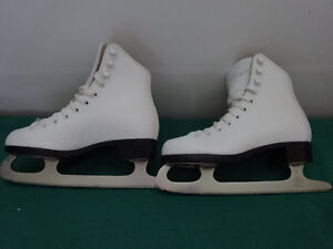 CCM and Bauer Skates from sizes 1 to 4 Cornwall Ontario image 3
