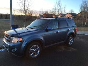 2011 Ford Escape Limited 4wd, fully loaded, very nice!