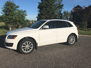 2012 Audi Q5 2.0T SUV PANORAMIC ROOF! Winter tires Included!