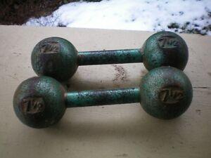 Antiquité:  poids (pesées) et haltères en fer