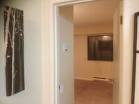 $650 / 170ft2 - Bright Clean Big Room in West End Available Now