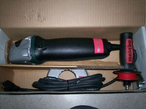 Metabo angle grinder / meuleuse W8-115 Quick, 4 1/2 po diam.