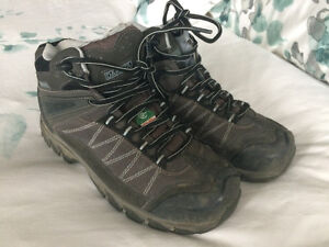 Women's or men's Dakota steel toe boots/shoes - 7EE
