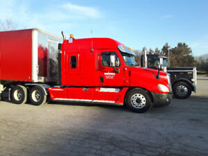 Feightliner Cascadia highway tractor