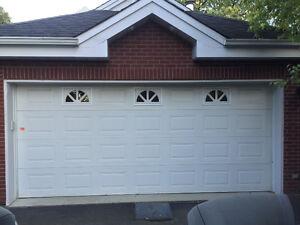 Porte de garage et ouvre-porte électrique