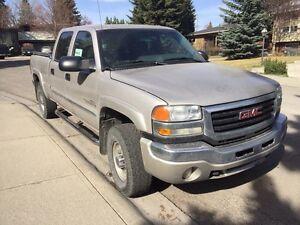 TRUCK - 2004 GMC SIERRA 2500hd